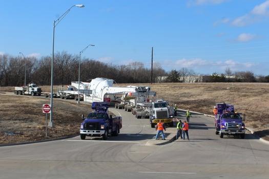 Houston bucket truck company, Kenco escorts superload.